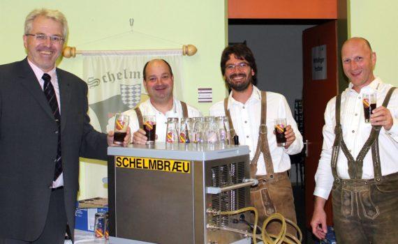 Bier für die Wittislinger Markterhebungsfeier